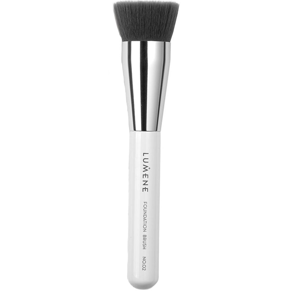 Nordic Chic Foundation Brush Gift